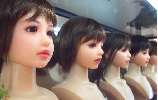 Why small realistic love dolls are popular than normal lifelike size one