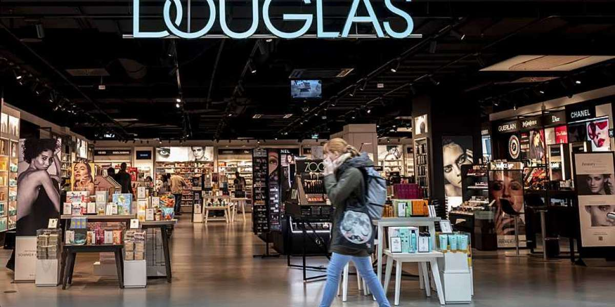 Find an extensive range of beauty products at Douglas Online Shop