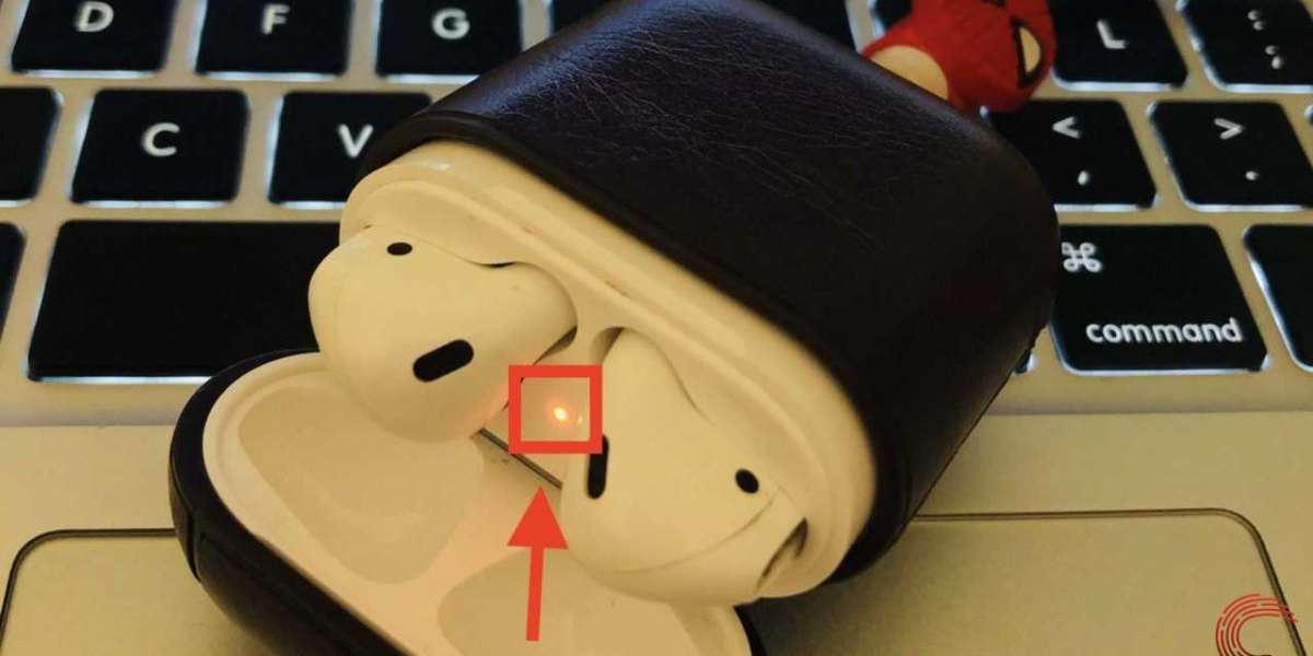 Quick and Easy Ways to Fix the Orange Flashlight in Your Apple Airpods