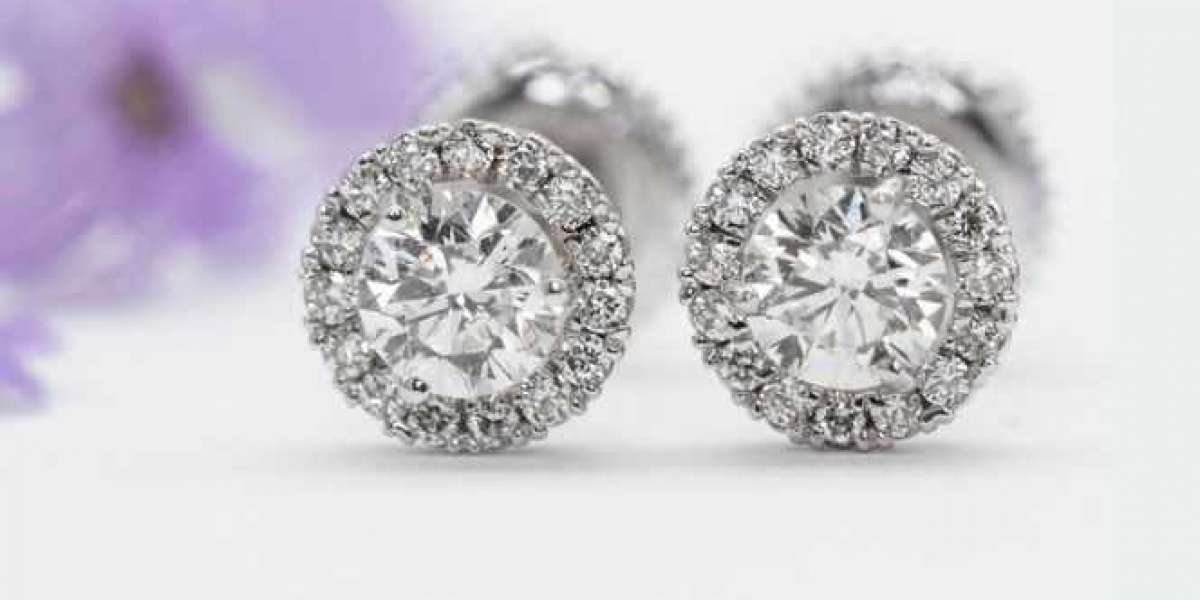 Why You Should Take Your Diamond Jewelry Business Online?