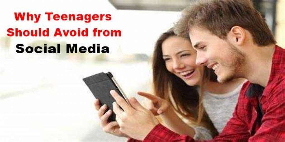 Why Teenagers Should Avoid from Social Media